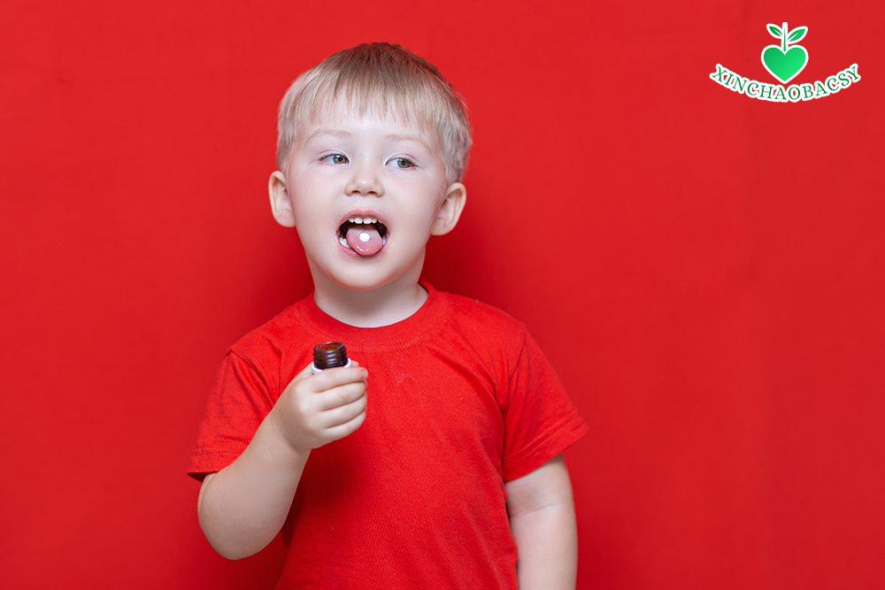 Clonidine: Thuốc điều trị tăng động giảm chú ý cho trẻ 6 – 17 tuổi